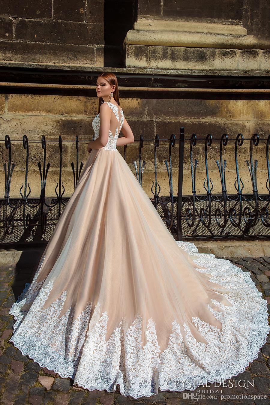우아한 2016 컨트리 스타일 샴페인 웨딩 드레스 깎아 지른 목에 아이 보어 레이스 Appliqued 법원 기차 신부 가운
