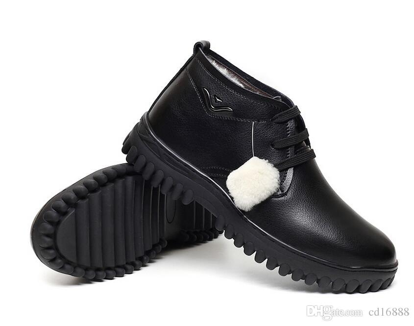 Más populares zapatos de moda de los hombres botas de invierno botas de tobillo de 2020 nuevas lanas calientes cómodos zapatos de cuero genuinos de nieve botas casuales hombres zapatos