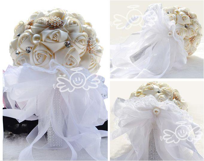 Ucuz Satılık El Yapımı Saten Gül Çiçekler Gelin Buketi Fildişi / Kırmızı / Mor / Pembe Güzel Düğün Tedarikçiler Nedime Buketleri Holding Çiçekler