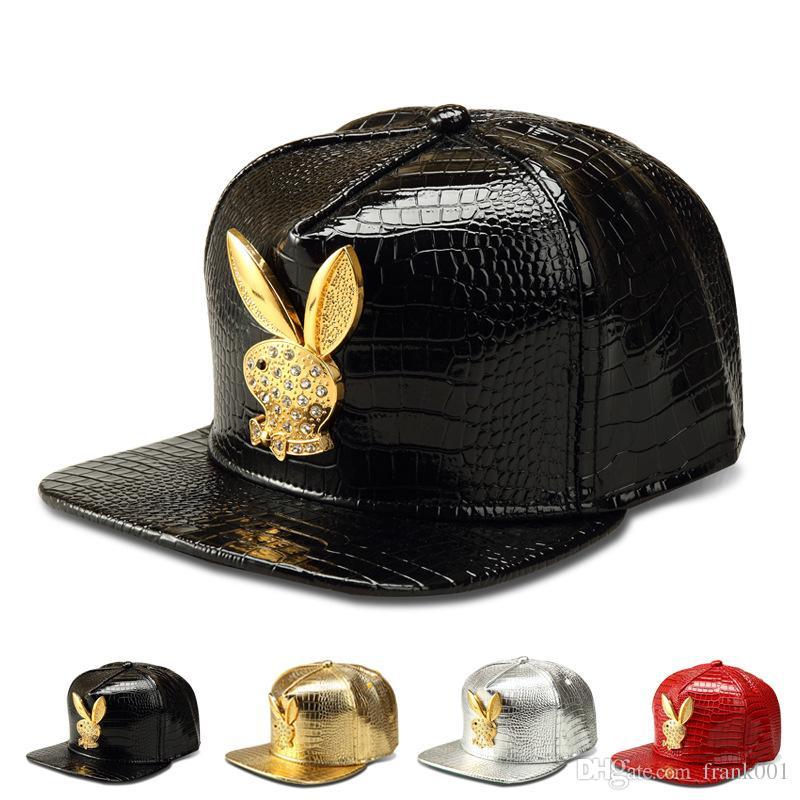 Compre Vogue Oreja De Conejo Cocodrilo Gorras De Béisbol De Cuero De  Imitación Snapback Sombreros De Oro Rhinestone Hip Hop Rap Sombrero Para  Hombres ... 59a53928233