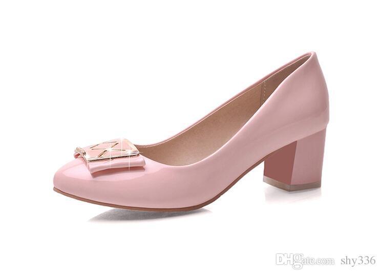 Primavera autunno nuovo contratto scarpe singole vernice nella bocca bassa testa rotonda con scarpe da lavoro alla moda grandi cantieri femminili di scarpe