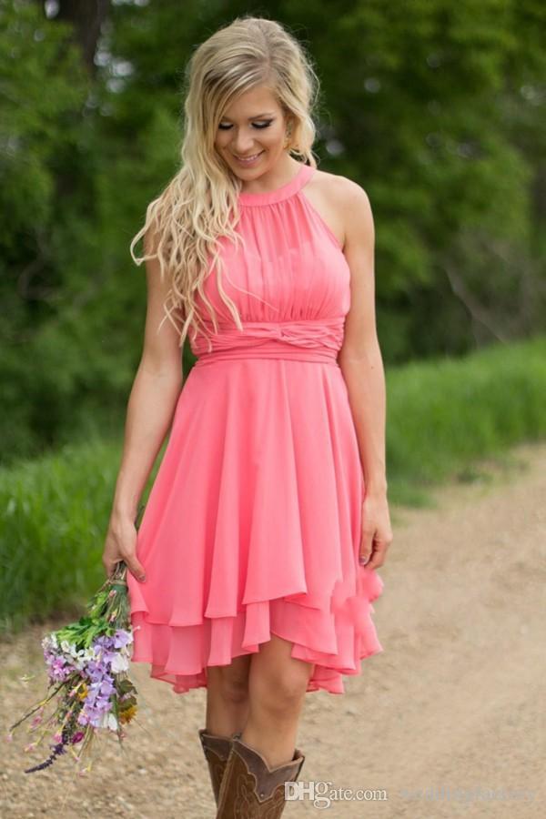 2019 국가 신부 들러리 드레스 짧은 라인 민소매 고삐 깎아 지른 넥 라인 레이스 시폰 비치 가든 하녀의 고무 가운의 결혼식을위한 싼