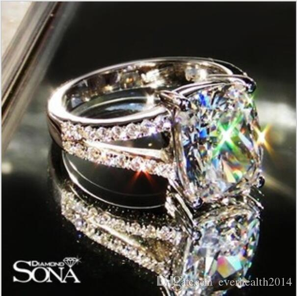 Luxury Wedding Ring 385 Karat Cushion Cut Sona Synthetic Diamond