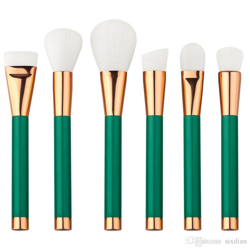 High quality Multipurpose Makeup Brush portable Foundation Powder Eyeshadow Blushes Lip Brush green color