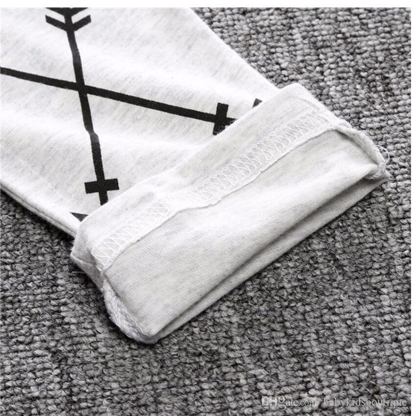 Nouveau Arrivée Garçons Vêtements Set Enfants imprimé T-shirt noir et pantalon Mode enfants 2 pièces Vêtements Set
