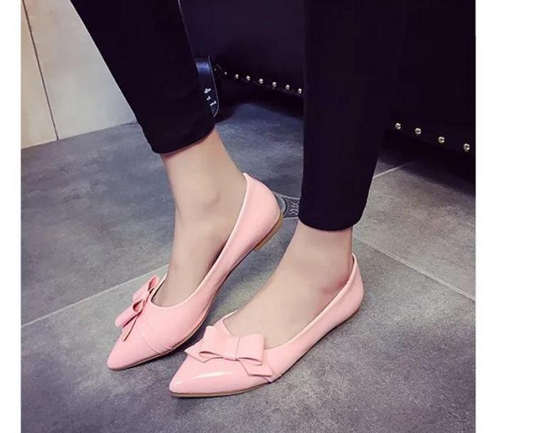 Chaussures en cuir verni bowknot automne 2016 nouveaux appartements une pédale han édition bouche peu profonde chaussures pointues chaussures de mode
