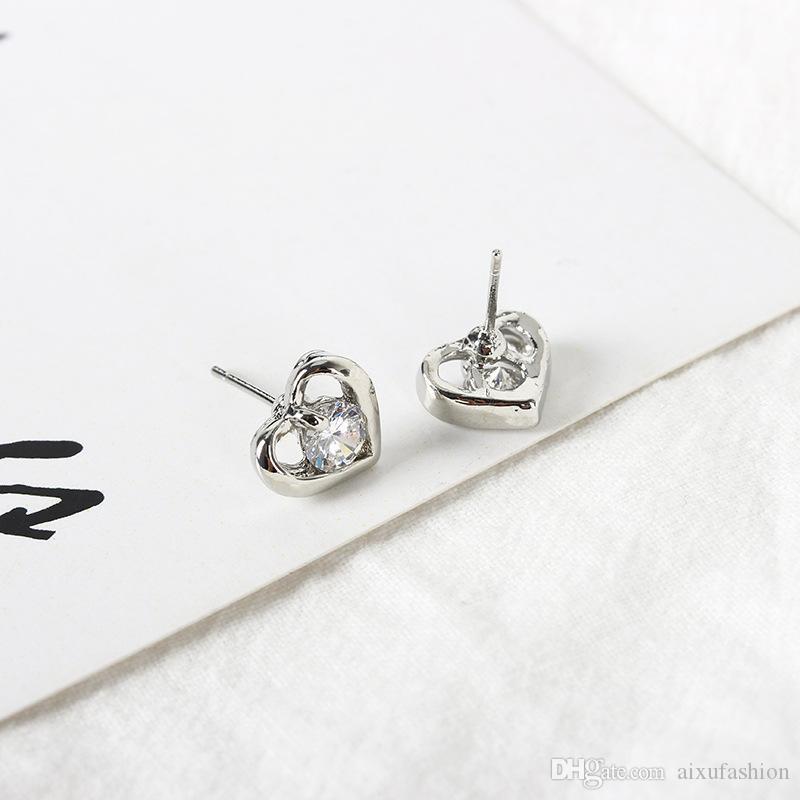 Prosta osobowość Nowa Moda Złoto Srebrny Kolor Serce Cyrkon Stadniny Kolczyki Walentynki Kolczyk Gift Dla Kobiet Girl Ear Stud