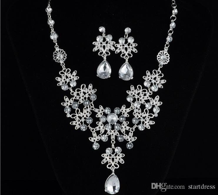 Lüks Rhinestone Gelin Takı Setleri Charm Düğün Kolye ve Küpe 1 Takım Gümüş Kaplama Kolye Setleri Gelin Aksesuarları Bayanlar için