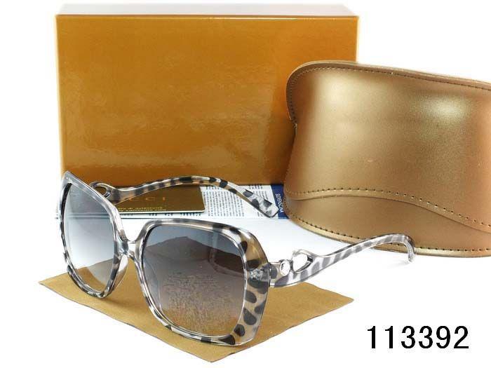 Marchio di fama mondiale Occhiali da sole da donna di alta qualità Colore luce polarizzata Specchio Montatura in plastica Occhiali da sole da donna attività all'aperto