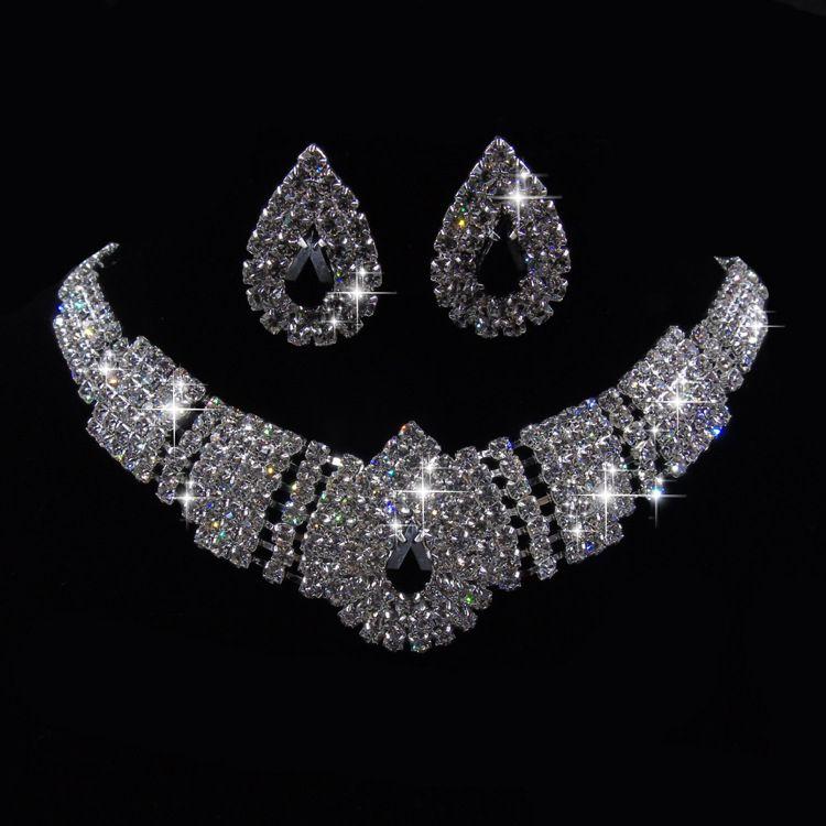 Lady Women's fashion Wedding Party Black Crystal silver Pendant Necklace Earrings Set Korean Dress Jewelry Set New Design