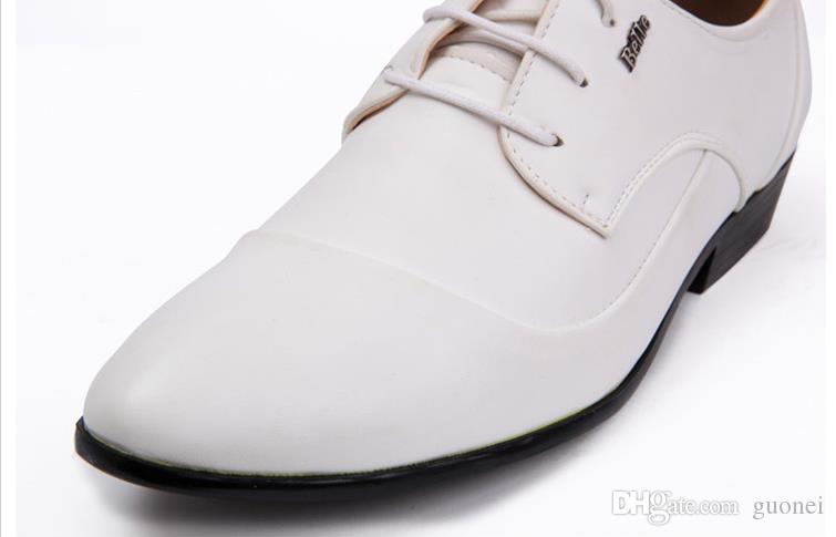 2017 novo respirar vestido sapatos livremente homem branco cúspide lace-up sapatos de couro vestido de negócios clássico único sapatos