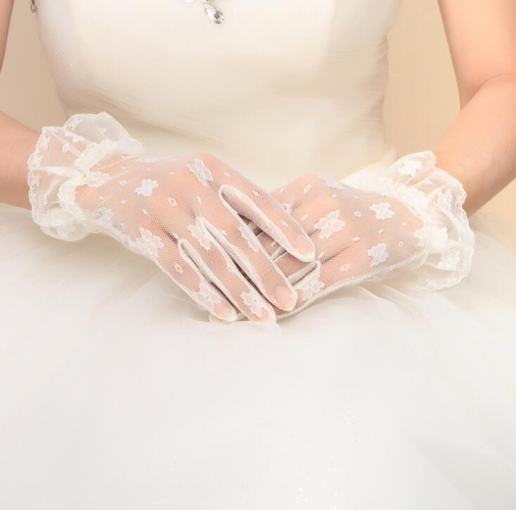 White Ivory Short Lace Bridal Gloves Wedding Accessories Party Lace flower wrist Gloves for girls fashion party accessories