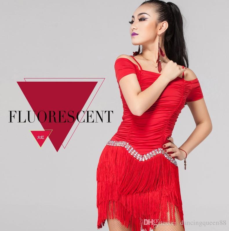 Disfraces de baile latino para mujeres Competencia Rojo / Negro borla Cha Cha / Rumba / Samba / Cowboy / Paso Doble Vestidos de baile latino