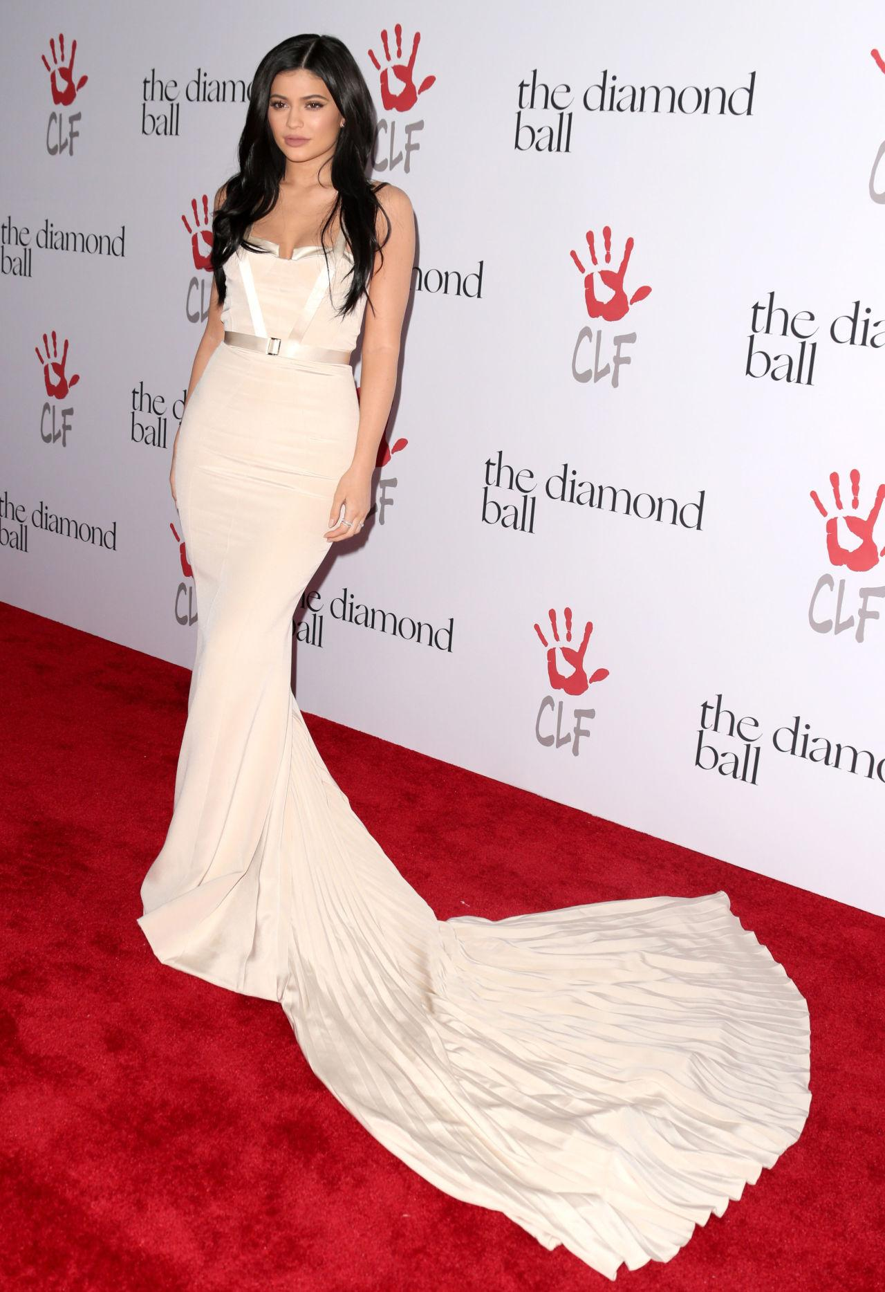 Kylie Jenner Nude Party Prom Gown Red Carpet Dresses Sexy Backless ...