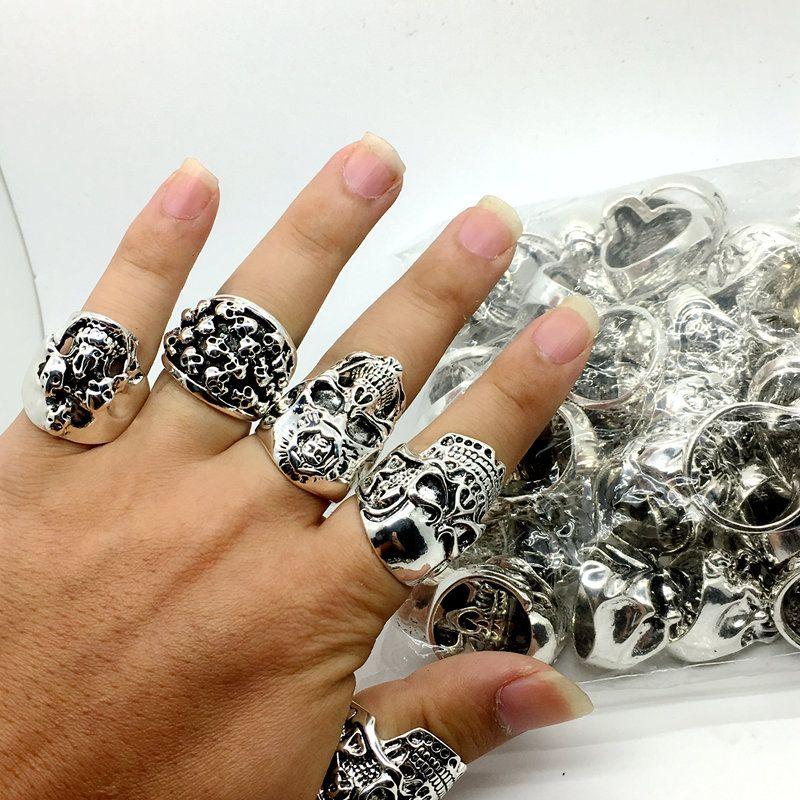 الكثير بالجملة أعلى 50 قطع خمر منحوتة الجمجمة السائق رجالية فضة مطلي خواتم مجوهرات جميع الحجم الكبير