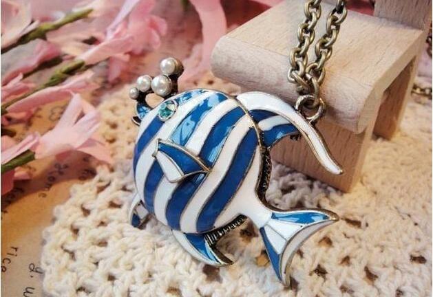 Collier bleu Pendentif Poisson Poisson tropical Collier de perles mignon poisson collier pendentif chaîne chandail Collier DHL