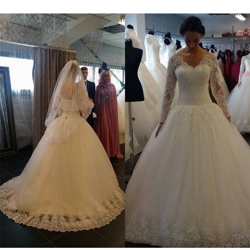 2016 Vintage Cheap Wedding Dresses A Line V Neck Lace Applique Crystal Beaded Sparkle Long Sleeves Sweep Train Formal Plus Size Bridal Gowns