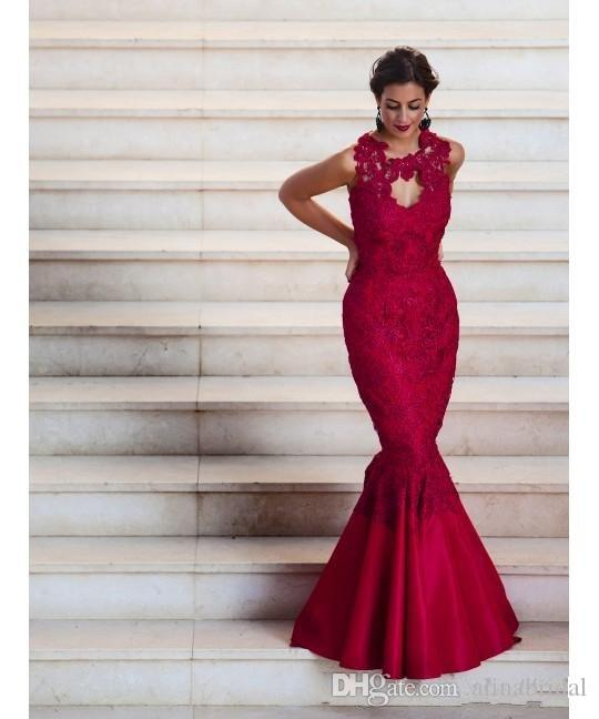 2016 Dark Red Lace Evening Dresses Mermaid Appliqued Jewel Illusion Button Covered Back Satin Long Celebrity Pageant Party Gowns