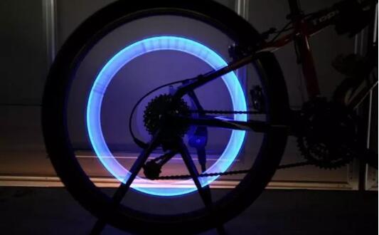 2500 pçs / lote Válvula de Roda de Pneu Da Bicicleta Do Carro Levou Luz Do Flash Novidade Cap Lâmpada Motocicleta Luz Da Roda Da Bicicleta Do Carro LEVOU Flash de Luz Do Pneu Haste