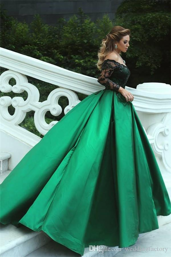 2019 Stunning Arabic Prom Dress Off the Shoulder Emerald Green Evening Gowns Black Sequined Appliques Long Sleeve Formal Dresses