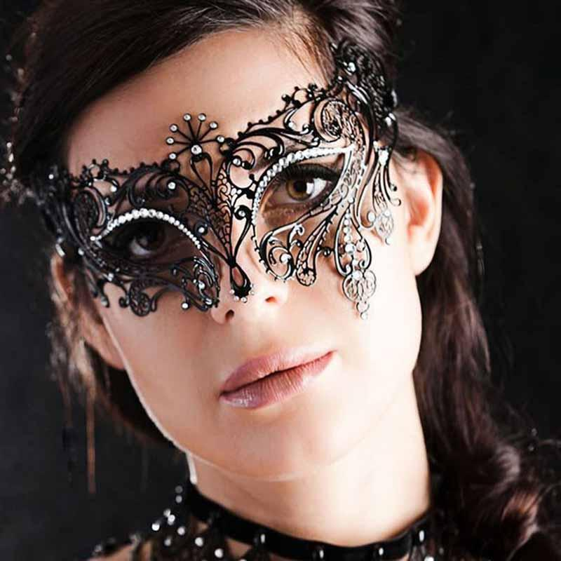 Party Masks Cosplay Halloween Mask Fun Black Lady Half Face Laser Cut Metal Venetian Show Party Mask Rhinestones Gold Wedding Women Mask