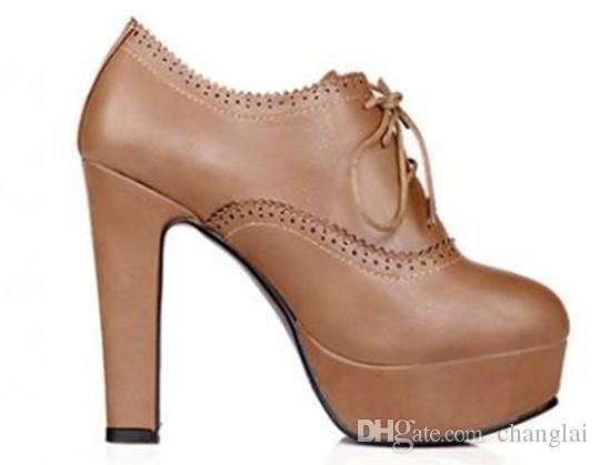 Chaussures à talons imperméables en dentelle sculptée 2016 printemps nouvelle coréenne rétro épais avec des semelles épaisses 236