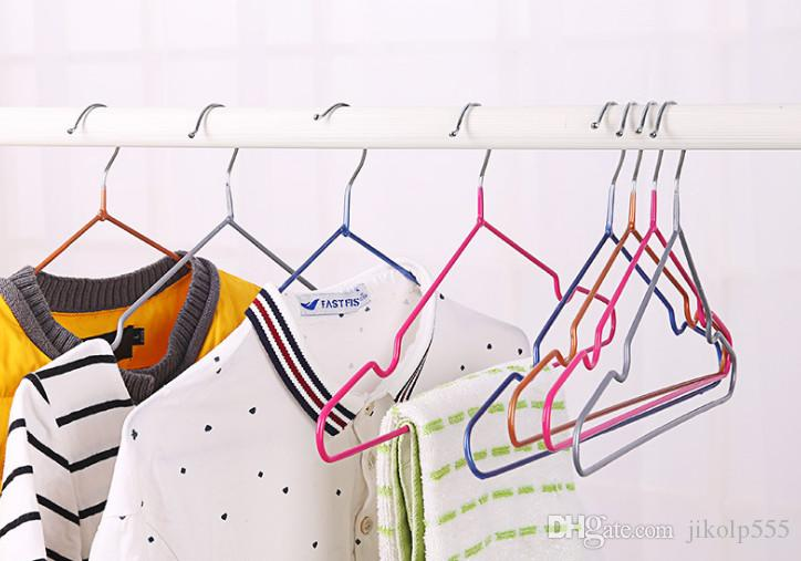 T شماعات الملابس الجديدة مع الأخدود ، شماعات معدنية نانو ، شماعات زلة ، معلقة الملابس الجافة والرطبة ، مبيعات المصنع مباشرة