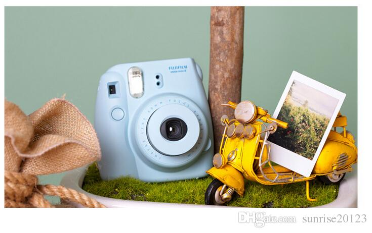 Jingle a beauty shot imaging Polaroid camera mini8 Normal Edition autofocus flash light and dark adjustment