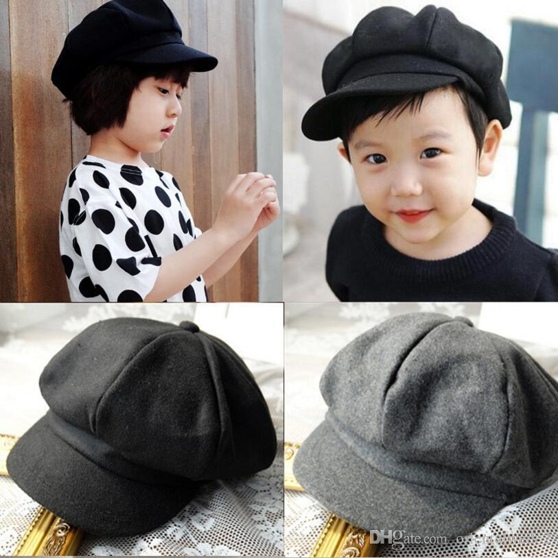 Flat cap Newborn photography props baby boy hats beret big brim bonnet baby  cap for girls 631142a940f