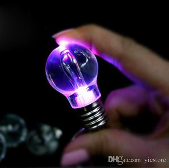 Großhandel Led Lampe Schlüsselanhänger Bunte Led Licht Schlüsselanhänger  Taschenlampe Schlüsselanhänger Bunte Taschenlampe Regenbogen Farbe ...