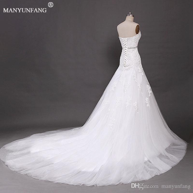 2020 Vintage Bohemian Wedding Dresses A Line Backless Sheer Lace Strapless Bridal Gowns with Beaded Sash Country Brides Chapel Train