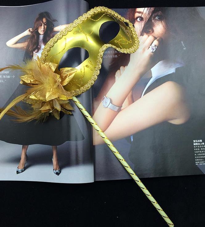 Nouveau vénitien mascarade plume fleur femmes masque sur bâton Mardi Gras Costume Halloween Carnaval Poignée Bâton fête masques approvisionnement festif