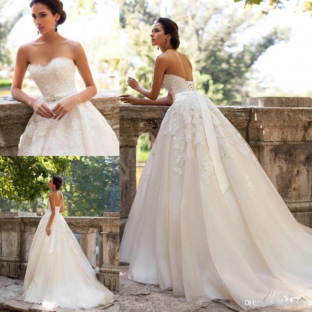 Robes de mariée vintage de taille plus Discount Une ligne Sweetheart Backless Arabe Musulman Dentelle Maternité Robes de mariée