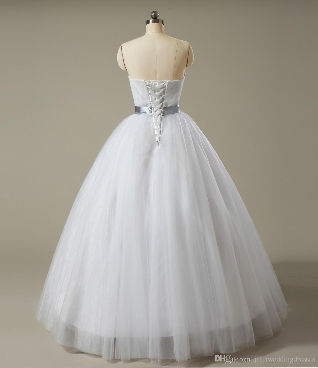 2018 Best Selling Cheap Stock Gorgeous Ball Gown Quinceanera Dresses Beaded Sweet 16 Dress Floor Length Pageant Formal Prom Gown Q13