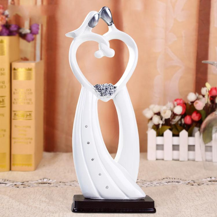 Taobao Related Keywords: Taobao T Hot Resin Home Furnishing Love Wedding Gift
