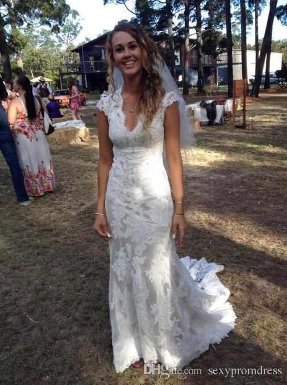 Abiti da sposa in pizzo country vintage 2017 scollo a V con scollo a sirena lunghezza da sposa abiti da sposa abiti da sposa di alta qualità su misura