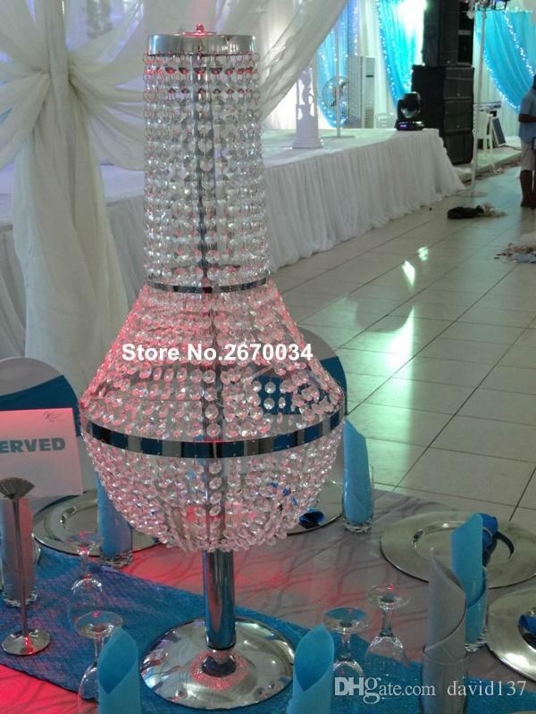 cerca de 30 dias será enviado para fora corredor Barato está casamentos, candelabro de cristal suporte de flor para decoração de mesa de casamento