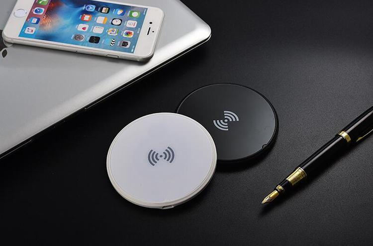 Super Slim Wireless Charger Dock Portable Quick Charger Station Qi Charging Adapter For iphone X 8 7 Samsung S7 S8 Note 8