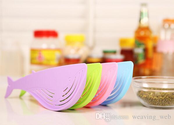 2016 colador multifuncional del arroz de la ballena Cocina creativa Colador de Gizmo Arroz plástico Tamiz del colador de la lavadora con el gancho