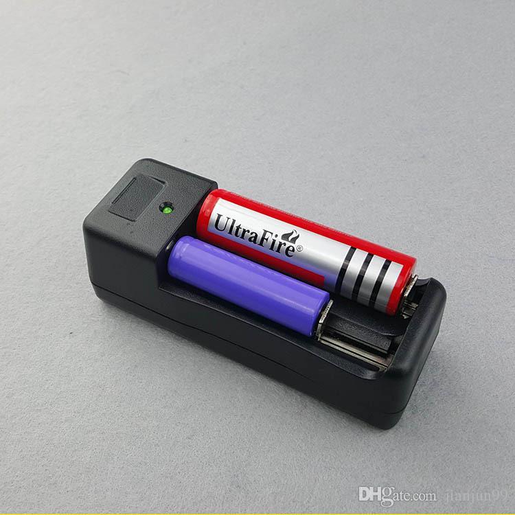 New Universal AC Dual Carregador de Bateria para 18650 14500 16340 10440 3.7 V Carregador de Baterias Recarregáveis EU / EUA Plug