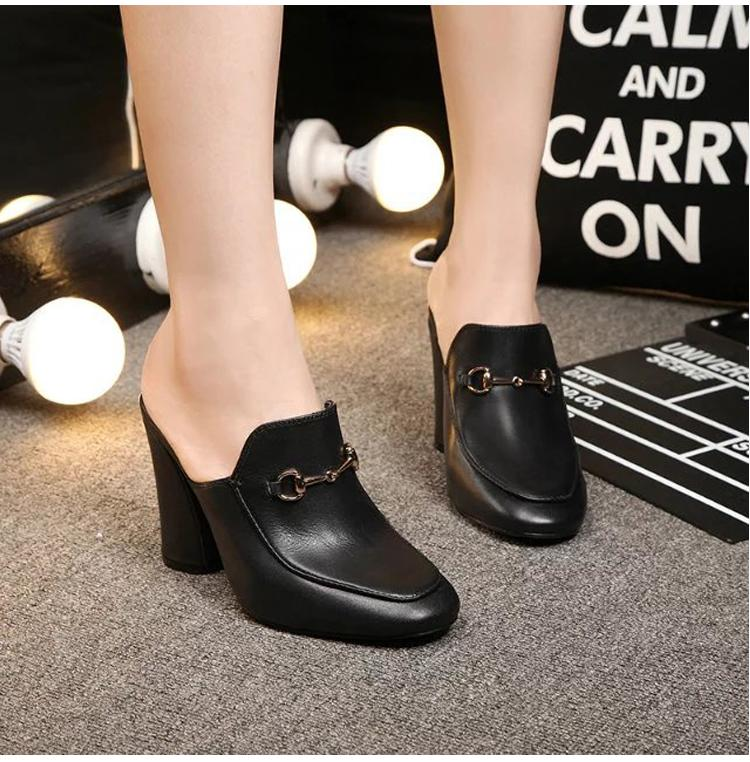 Yüksek kalite ~ u617 hakiki deri kalın topuk slaytlar pompaları katır ayakkabı tasarımcısı siyah kırmızı moda klasik