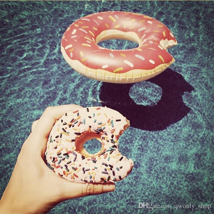 Cosas divertidas de verano Linda rosa Donut flotadores inflables Anillo de natación gigantesca Agua de verano Diversión Juguetes para la piscina Piscina flotador para adultos