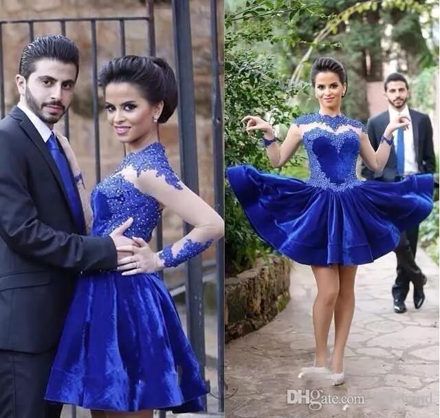 Royal Blue Velvet Short Cocktail Dresses 2020 Vintage High Neck Lace Appliques Short Prom Gowns Sheer Long Sleeves Arabic Formal Party Wear