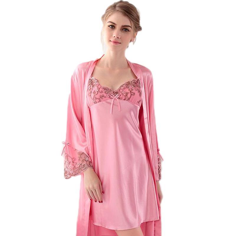 33a5d3728b Compre Nueva Llegada Bata Conjuntos De Seda Sólido Camisón Sexy Mujer  Lencería Tallas Grandes Tamaño Camisones Mujeres Con Cuello En V Camisa De  Dormir ...