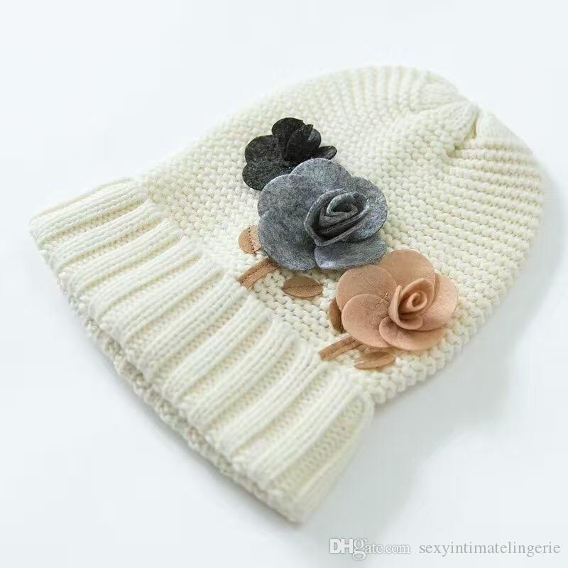 Wholesale Flower Cotton Baby Hat &Scarf Set France Delicate Crochet Baby Beanies Kids Fall Winter Baby Cap Handmade Windproof Earmuffs Cap