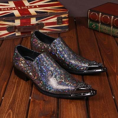 Mode Hommes D'affaires Loisirs Robe Chaussures Designer En Métal Toe Charme Charme Glisser Sur Des Chaussures En Cuir Pour Hommes Stage Show Chaussures 38-46