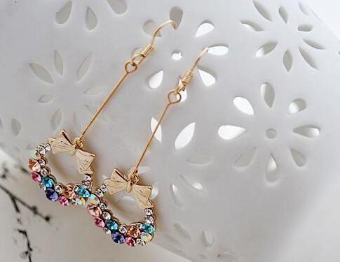 شخصية الأزياء والمجوهرات القرط حجر الراين اكليلا bowknot مربط حلق سبيكة أقراط للمرأة شحن مجاني
