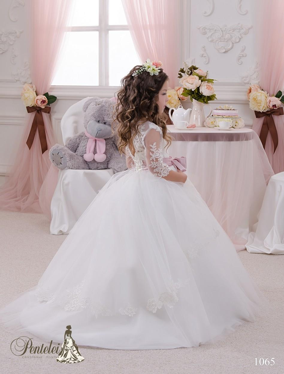 2021 Princess First Communion Dresses for Girls with Jewel Neck and 3/4 Long Sleeves Romantic Flower Girls Gowns with Big Bow Sash
