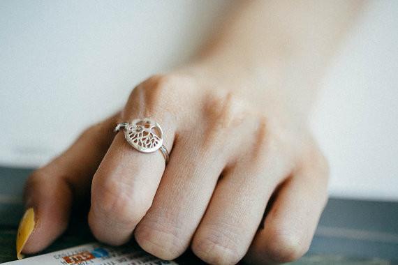 Listé sur les nouveaux carats de style de vie bagues bijoux mode femmes vendant des produits pour envoyer le meilleur cadeau