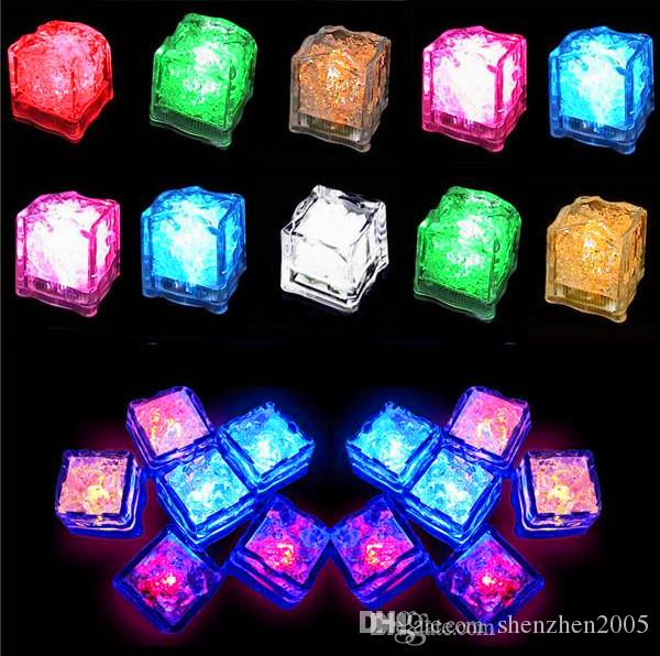 Party Props Luminous Novelty Sparkling Lights LED Glowing Ice Cubes Wedding Festival Decorating Wine Cup Decor